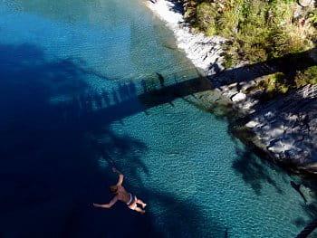 Skok z lanového mostu