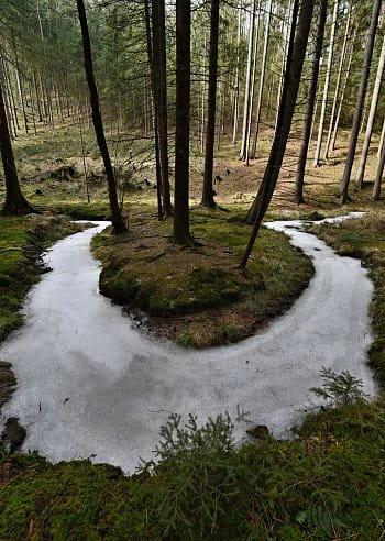 zamrzlý potok