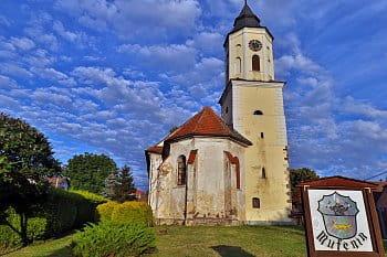 Kostel sv. Bartoloměje v Mutěníně