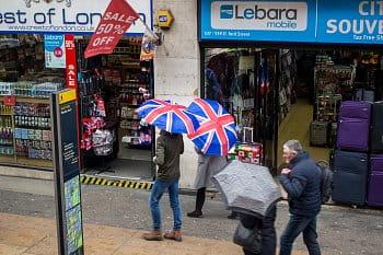 Když začne v Londýně pršet