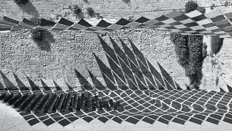 Stínohra v ulicích města Mallorca