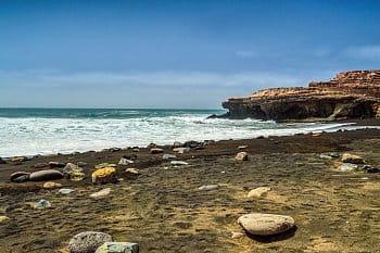 Ajuy - pláž s černým pískem, Fuerteventura
