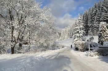 zima ve Velkých Karlovicích