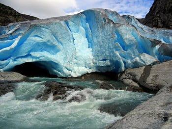 V ledovci
