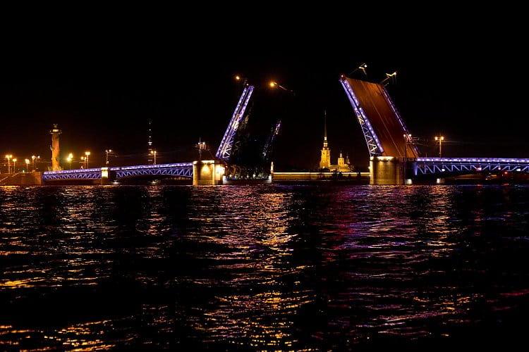 Otvírání mostů - Petrohrad