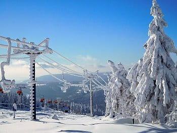 Starý a nový lyžařský vlek