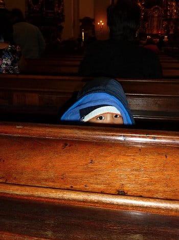 Kluk v kostele