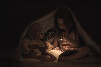 Večerní čtení pohádky
