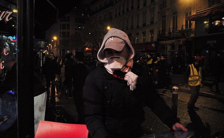 Protestující Pařížané