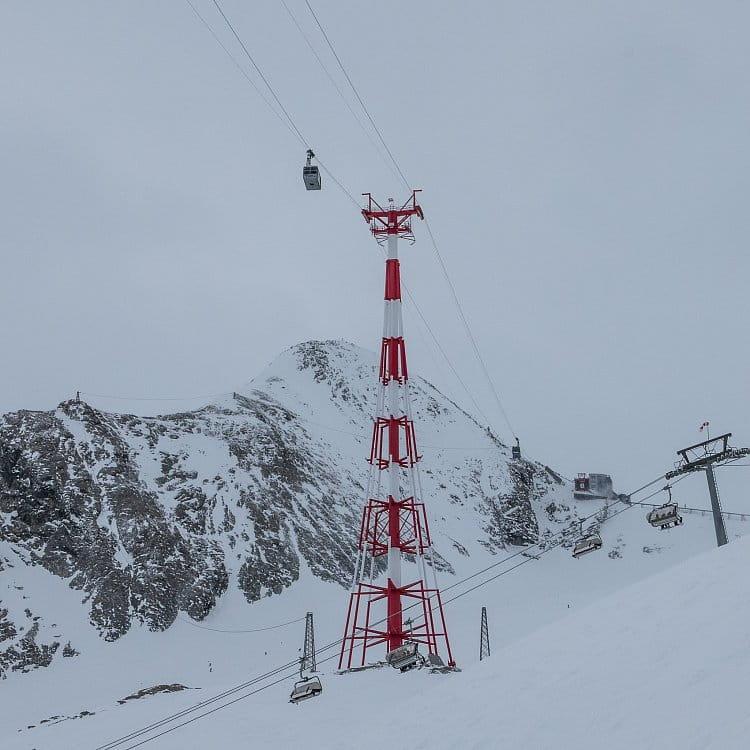 Na lyžích