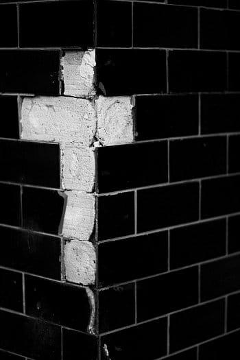 S křížem na hraně