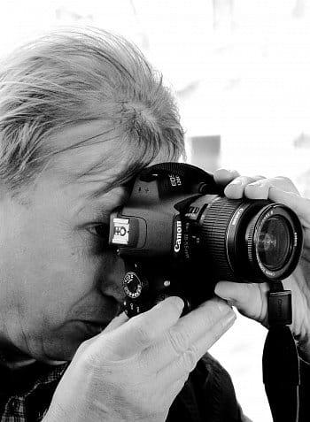 Hledání černobílé poezie hledáčkem fotoaparátu