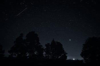 Tma mezi hvězdami
