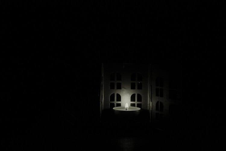 Světlo uprostřed tmy