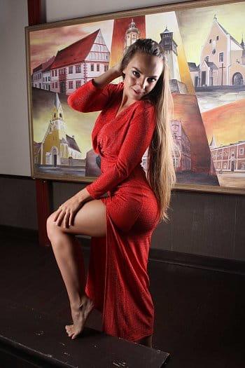 Modelka v červeném