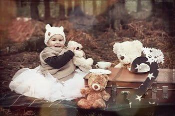 Lilinka na narozeninovém pikniku s medvídky