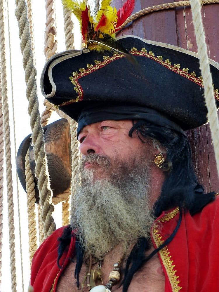 Na pirátské lodi