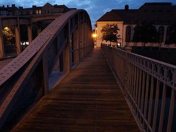 Večerní most