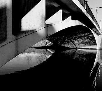 Zrcadlení mostu