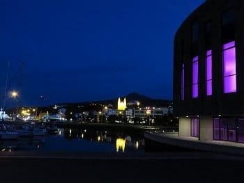 6 - Akureyri v noci, Island