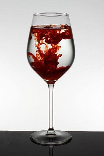 Barevná sklenička