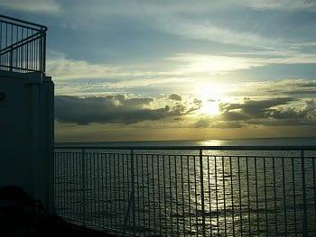 končí den nad Severním mořem