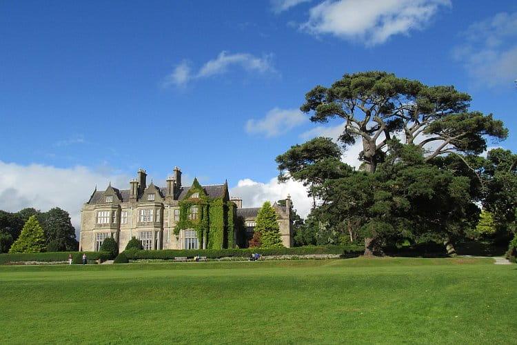 4 - venkovské sídlo Muckross House, Irsko