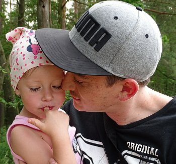 Zvěčnění vztahu mezi otcem a dcerou.