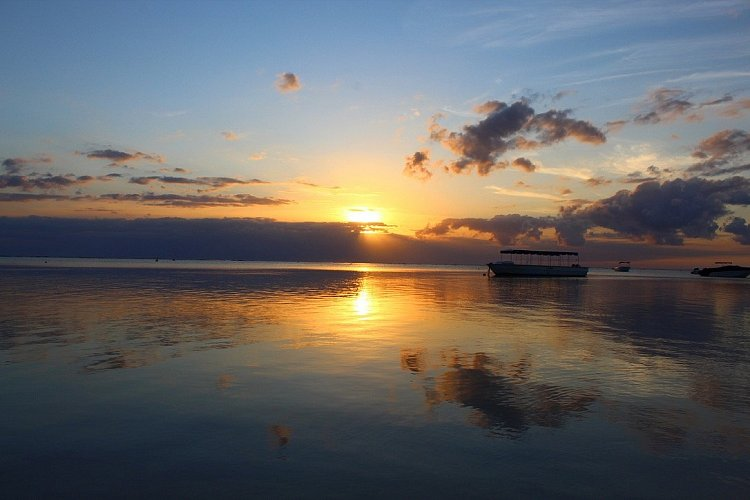 Západ slunce nad Indickým oceánem