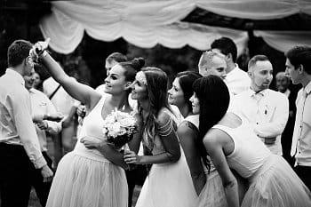 Nevěsta a družičky