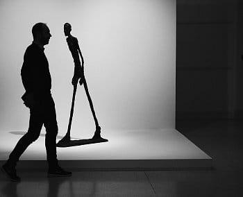 Kráčející muži