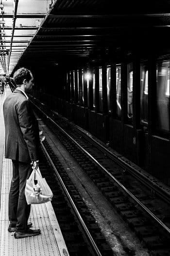 """""""Businessman"""" v metru"""