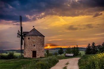 Replika mlýna v Jalubí