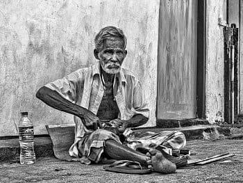 Pouliční řemesla /Černobílá Srí Lanka/