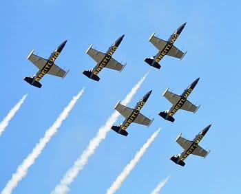 Letadla v oblacích