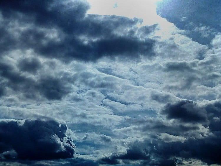Un cielo inquieto