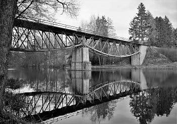 Most přes řeku Sázavu.