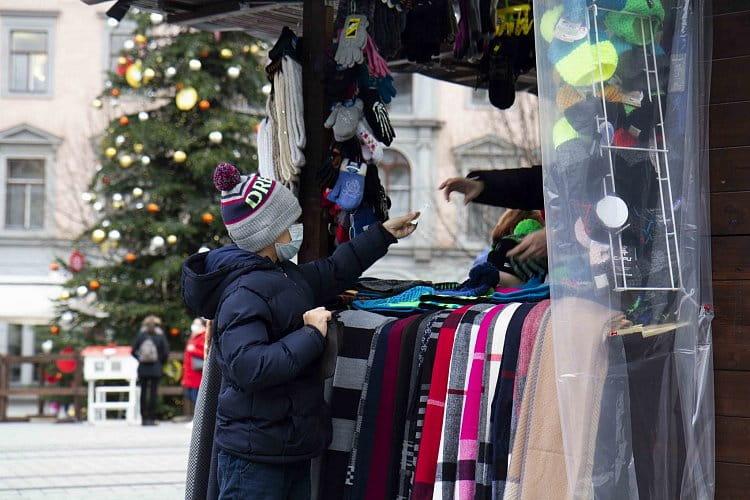 První nakupování vánočních dárků