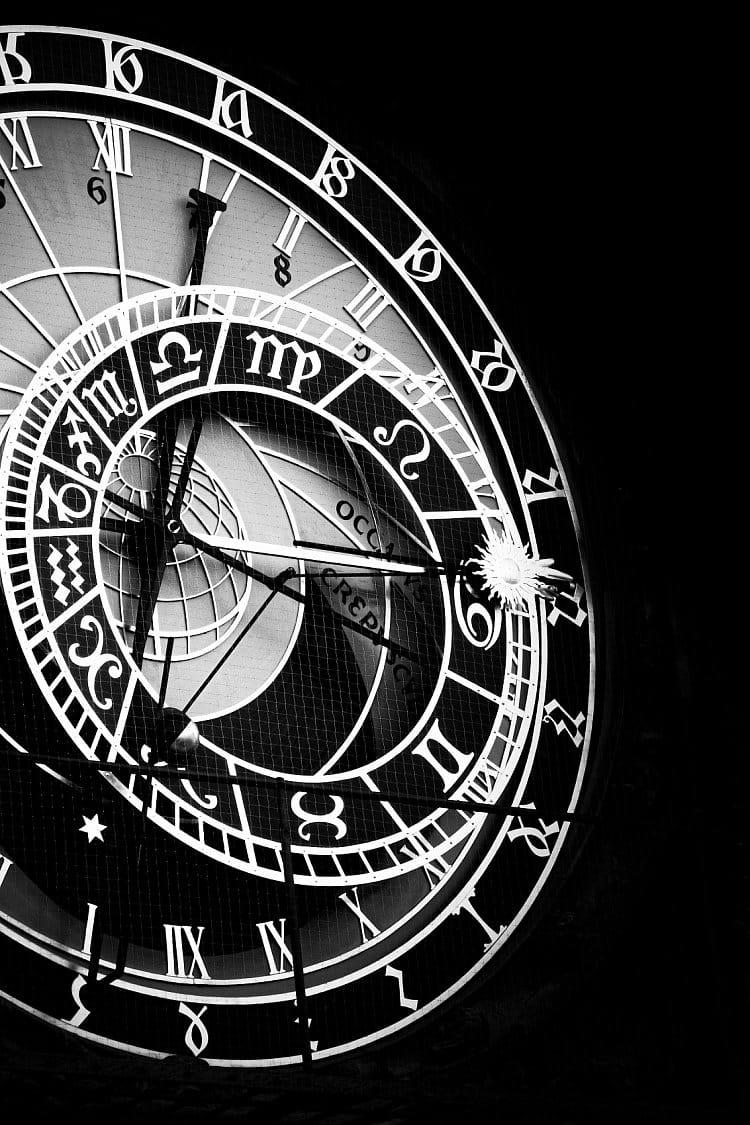 Nevíš, kolik je hodin?
