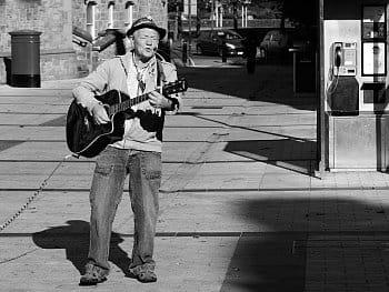 Pouliční hudebník