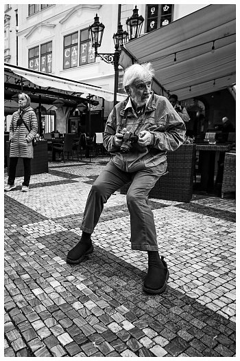 Levitující fotograf